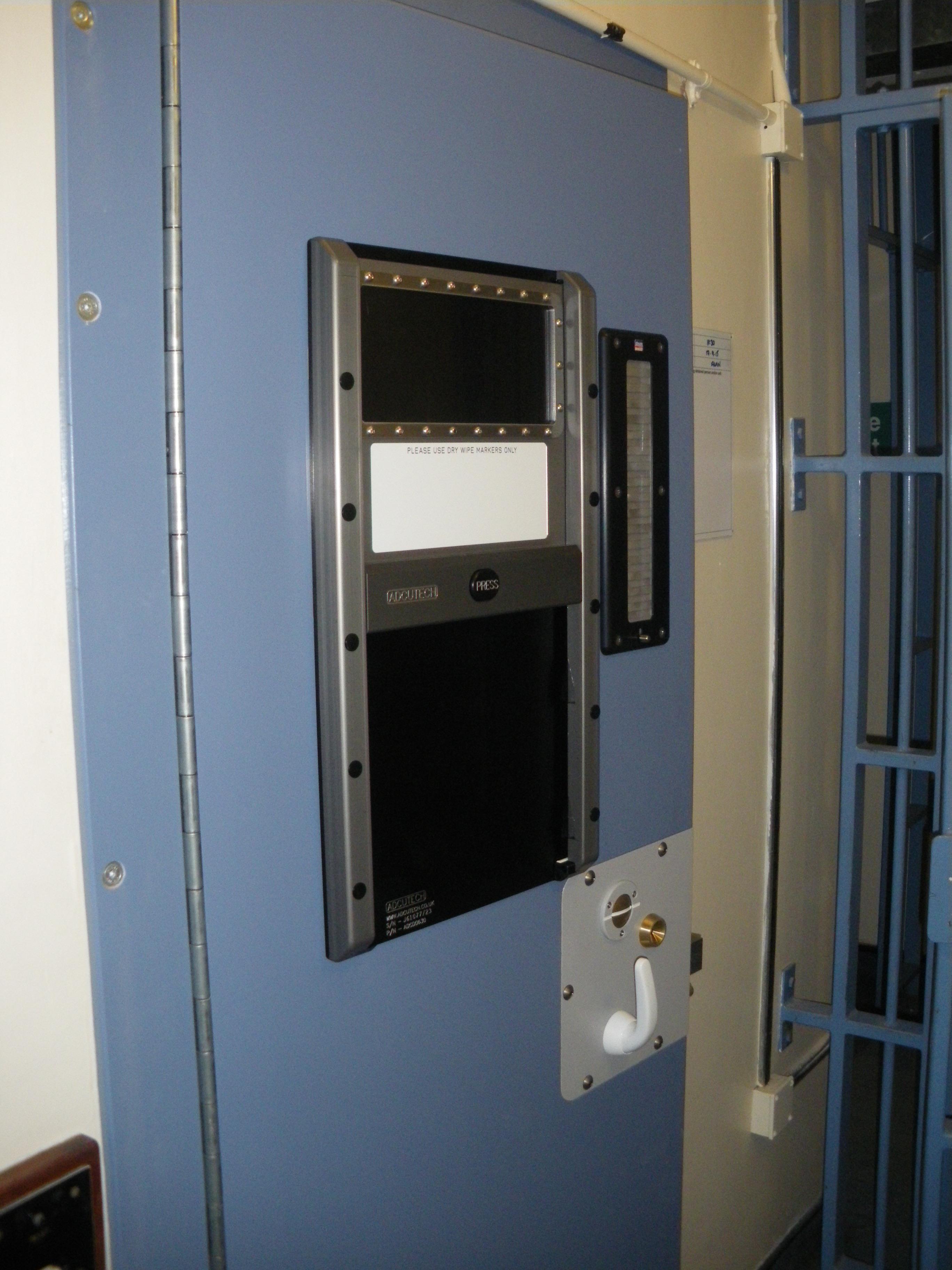 9D001 - Police Lambeth Cell Door