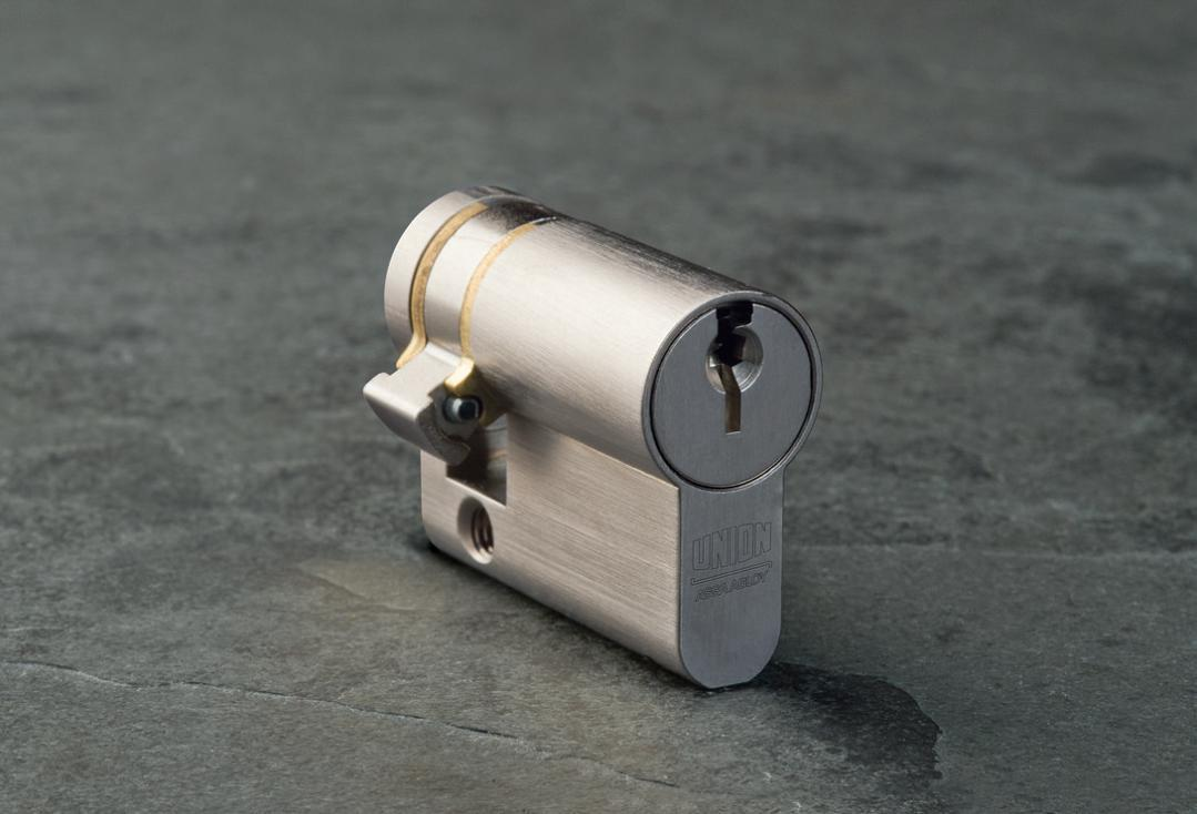 ASC001 - ASSA ABLOY Single Cylinder