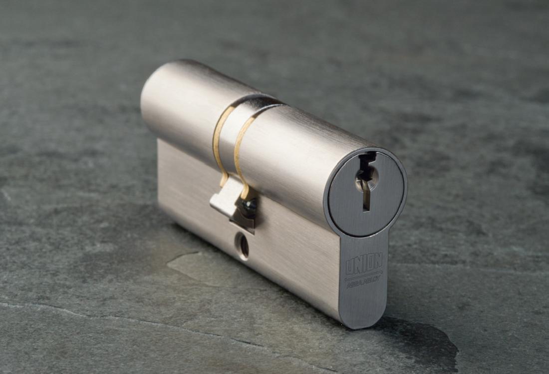 ASC002 - ASSA ABLOY Double Cylinder